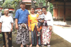 Licensed Balinese Driver Tour Guide : Nengah Polos